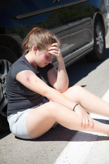 auto accident young people injured